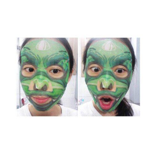 Mascarilla coreana calmante para pieles irritadas, sensibles y con acné (en uso)