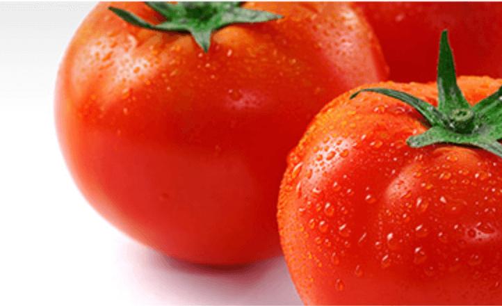 Fotografía del tomate, ingrediente del THELAVICOS Suvia Lotus Blooming Toner